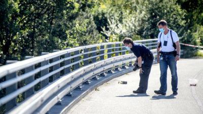 Stenkast fra motorvejsbro
